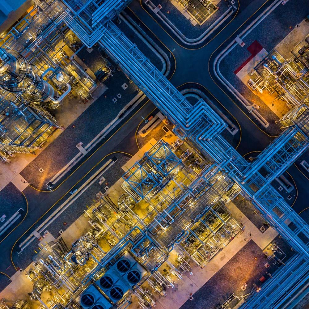 DD - project image - oil and gas - refinery - aerial - shutterstock_681704773_Websize.png